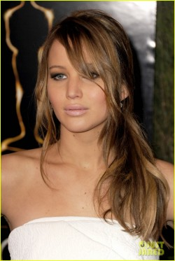 jennifer-lawrence-oscar-nominees-luncheon-2013-14.jpg